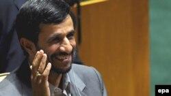 محمود احمدی نژاد قرار است پنجشنبه شب با گروهی از رهبران مذهبی مسيحی ديدار کند.(عکس:epa)