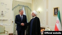 حسن روحانی، رئیس جمهوری اسلامی ایران، در دیدار با سراجالدین مهرالدین، وزیر خارجه تاجیکستان