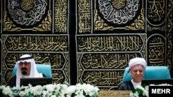 ایت الله رفسنجانی در کنار ملک عبدالله(پادشاه وقت عربستان)