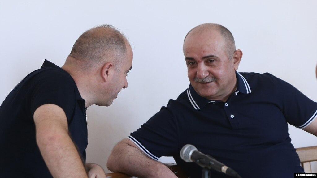 Заседание суда по делу экс-командующего Армией обороны НКР С.Бабаяна началось с осмотра трубы ПЗРК «ИГЛА»