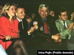 Весна Шкаре-Ожболт та американський генерал Жак Пол Клейн, який очолював місію ООН UNTAES у Хорватії та Боснії і Герцеговині, кінець 90-х років