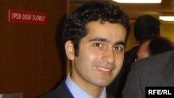 www.susmayaq.biz saytının təsisçilərindən biri Bəxtiyar Hacıyev