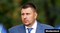 ГПУ підозрювє Олександра Клименка в участі у створенні злочинної організації, фіктивному підприємництві, привласненні майна через службове становище, службовому підробленні