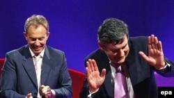 Британский премьер Гордон Браун (справа) принял от предшественника дело Литвиненко-Лугового и не намерен отказываться от этого наследства