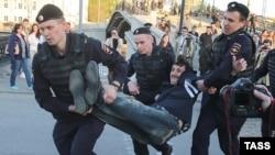 Задержания участников акции в годовщину событий на Болотной площади в Москве