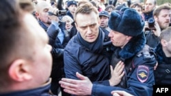 Олексій Навальний під час затримання на акції в Москві, Росія, 26 березня 2017 року