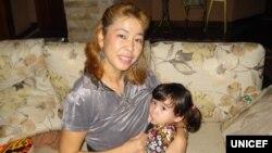 Последнее кормление грудью моей двухлетней дочери Пари, - Юкиэ Мокуо, представитель ЮНИСЕФ в Кыргызстане.