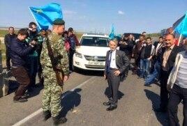 Мустафа Джемилев пытается попасть в Крым 3 мая 2014 года