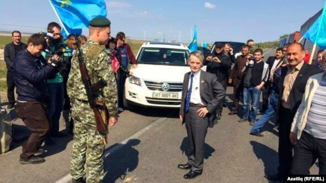 Mustafa Dzhemilev is denied access to Crimea at a border checkpoint on May 3.
