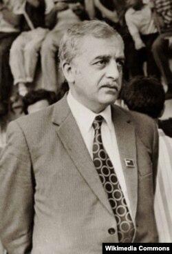 Gürcüstanın millətçi lideri Zviad Qamsaxurdiya, onun hakimiyyəti dövründə azərbaycanlıların Gürcüstandan kütləvi köçü baş verib.