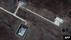 Спутниковая фотография пускового комплекса