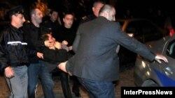 Представители офиса Народного защитника Грузии и нескольких других правозащитных НПО обратились с требованием к правительству создать независимый орган, который будет заниматься расследованием инцидентов между полицейскими и гражданами