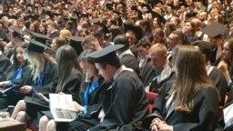 Tinerii studenti lea lea lea