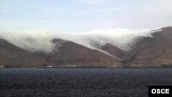 دریاچه سوان (در تصویر) در ۶۰ کیلومتری شمالشرقی ایروان، پایتخت ارمنستان، از بزرگترین دریاچههای کوهستانی آب شیرین در جهان است