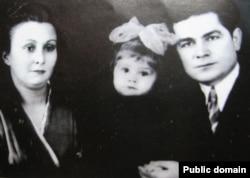 Василий Макух с женой Лидой и дочерью Ольгой