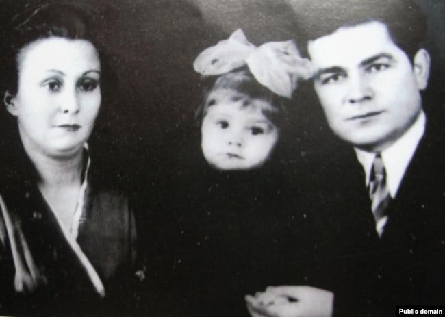 Василь макух з дружиною і дочкою