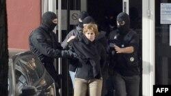 Pamje gjatë arrestimit të një lidereje të grupit ETA në Francë në vitin 2012
