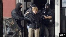 Арест спецназовцами одной из лидеров ЭТА в октябре 2012 во французском городе Макон. Архивный снимок