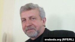 Аляксандар Мілінкевіч