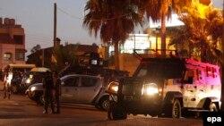 نیروهای امنیتی اردن مقابل سفارت اسرائیل در امان.