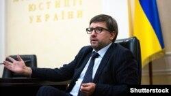 Денис Чернишов