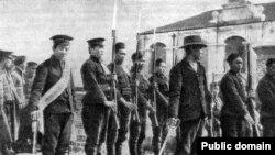 Солдаты и офицеры китайской революционной армии. Фотография. 1911 год