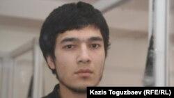 Өзбек босқыны Файзуллахон Акбаров экстрадициялық сотта. Алматы, 16 наурыз 2011 жыл.