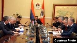 Sastanak šefova stranaka vlasti i opozicije u kabinetu Predsjednika RS Milorada Dodika