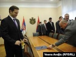 Jedan od lidera kosovskih Srba Krstimir Pantić najavio je tužbu protiv šefa beogradskog pregovaračkog tima Borislava Stefanovića, 17. novembar 2011.