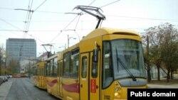 Власти польской столицы заставят трамваи ездить тише