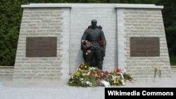 """Памятник """"Бронзовый солдат"""" в Таллине, Эстония"""