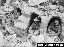 Британские солдаты во время битвы на Сомме. Август 1916 года