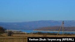 Из села открывается вид на Чернореченское водохранилище – основной источник водоснабжения Севастополя