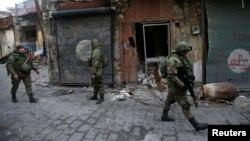 سربازان روس در بخش قدیمی شهر حلب