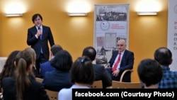 Ираклий Кобахидзе и Давид Дондуа на встрече с грузинскими эмигрантами в Вене