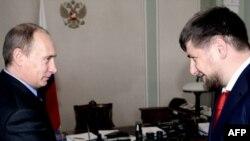 Премьер-министр Владимир Путин менен чечендердин москвачыл президенти Рамзан Кадыров 20-мартта Ново-Огареводо жолугушкан эле.