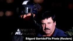 ال چاپو از زمان استرداد به آمریکا در یکی از زندانهای امنیتی شهر نیویورک و در سلول انفرادی نگهداری میشود.