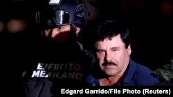 """Narkobaron Joaquin """"El Chapo"""" (Bəstəboy) Guzman 2016-cı ildə həbs edilərkən"""