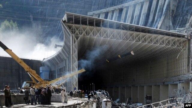 Спасательные работы на Саяно-Шушенской ГЭС продлятся еще неделю