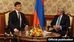 Armenia - President Serzh Sarkisian (R) meets with Sergey Zheleznyak, a senior member of the ruling United Russia party, in Yerevan, 27Nov2017.
