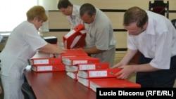 Listele cu semnături depuse la CEC pentru referendumul de aderare la uniunea eurasiatică, 85% dintre care au fost declarate false.