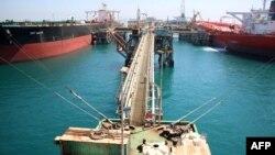 منصة تحميل نفطية عائمة في ميناء الفاو