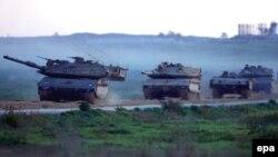 Израильские танки на северной границе сектора Газа