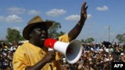 Морган Цвангираи в бытность лидером оппозиции Зимбабве. 28 марта 2008 года.