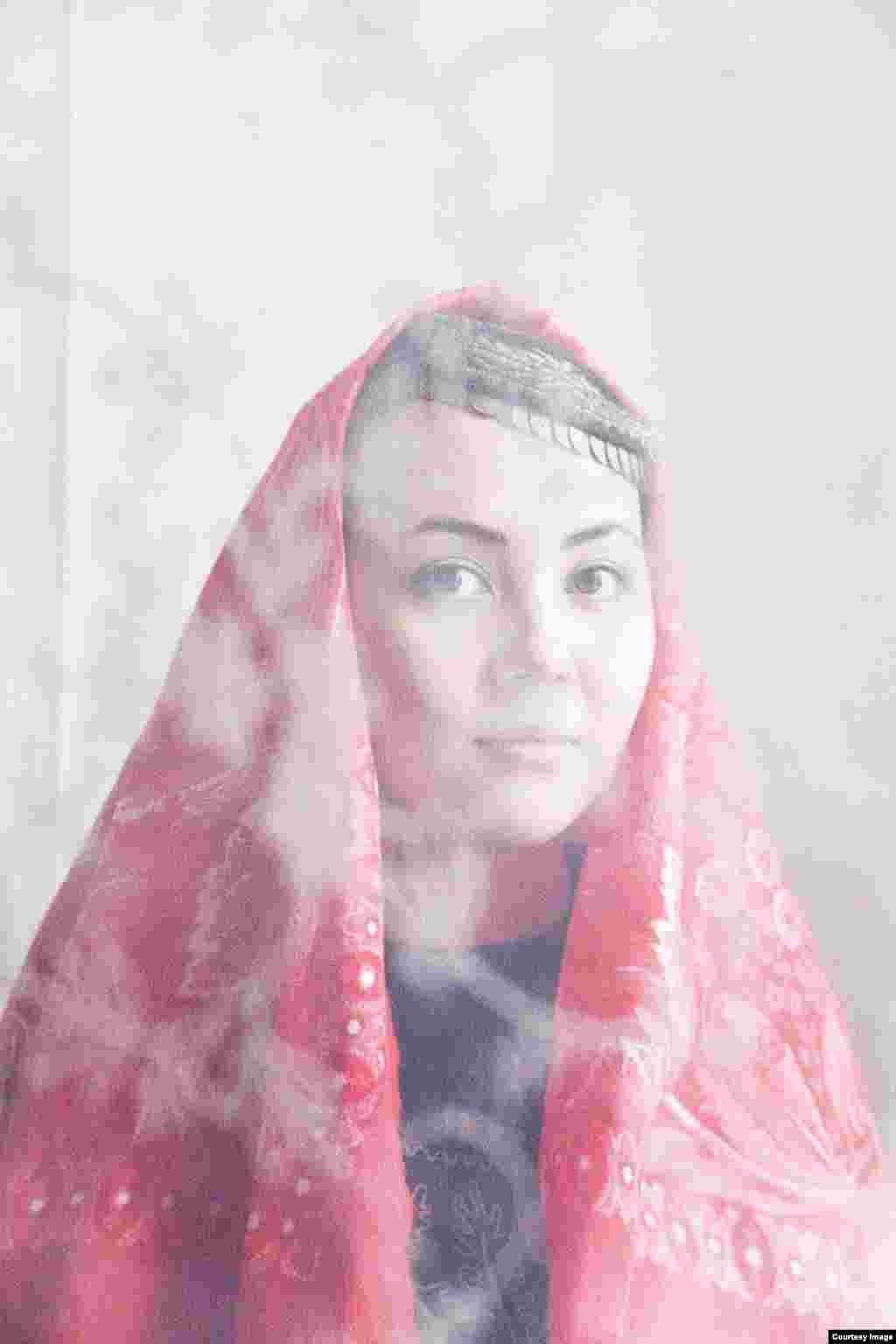 """Оксана, 24 жаста: """"Күйеуім орыс болса да, [мұсылманша] неке қию рәсімін өткізуге қарсы болған жоқ"""""""
