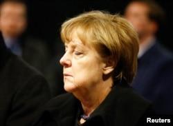 Анґела Меркель на підписанні книги співчуттів після теракту. Берлін, 20 грудня 2016 року