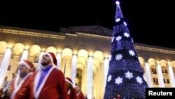 Судя по всему, решающая схватка за бюджет Тбилиси произойдет через месяц, когда состоится следующее заседание сакребуло. К тому времени мэрия либо согласится с доводами большинства, либо останется без возможности тратить доходы столичного бюджета