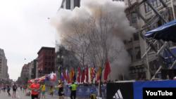 Вибухи в Бостоні (скріншот з відео газети Boston Globe), 15 квітня 2013 року