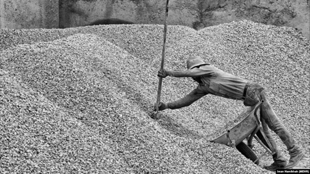 ۱۲ میلیون کارگر ایرانی با «قرارداد موقت» کار می کنند