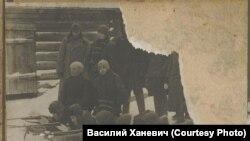 Учение по стрельбе сотрудников Нарымского ГПУ. 1920-е годы